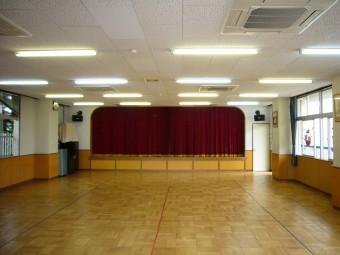 教室3室分の広さがあります