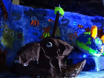 深海の世界に繋がります(チョウチンアンコウ)