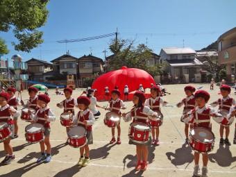 とても難しい年長の「鼓隊リズムパレード」です!