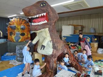 ティラノサウルスもうすぐ完成!